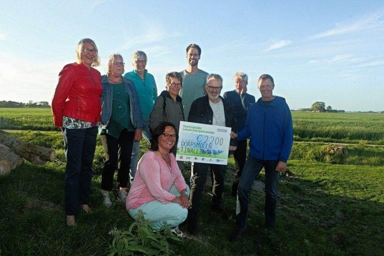 De initatiefnemers van de dorpsmolen vlnr: Aukje, Anneke, Christien, Wil, Rik, Wim, Gertjan en MIchiel. Vooraan: Saskia.